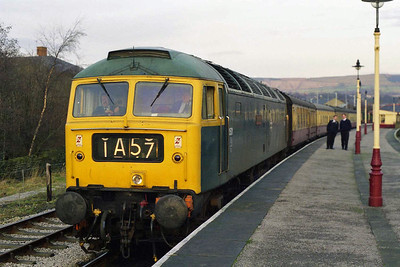 Later that afternoon 'Gateshead' is pictured again prior to departing Rawtenstall with the 1400 to Bury (10/01/1998)