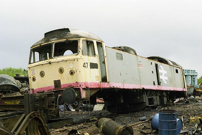 Minus its wheels, then end for 47249 was only a matter of days away (05/04/1998)
