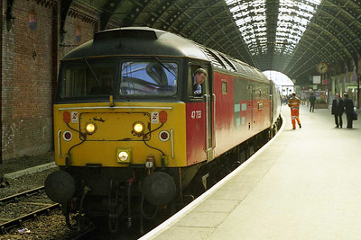 Later that afternoon 47733 'Easter Star' eases up at Darlington having dragged 1E06 1100 Edinburgh - Kings Cross from Newcastle via the Durham Coast (12/04/1998)
