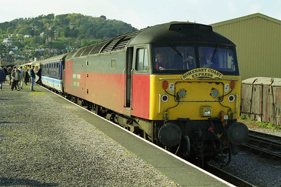 47763 awaits departure from Minehead with the 1Z27 1645 return charter to Hooton (18/04/1998)
