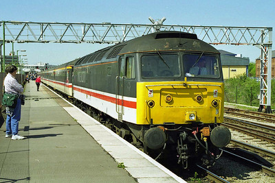 Later that afternoon 47851 waits to depart from Gloucester with the diverted 1M56 0944 Plymouth - Manchester (02/05/1998)