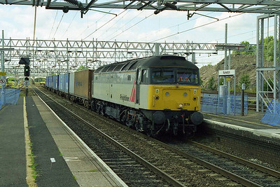 Freightliner's 47079 cruises through Nuneaton with a southbound intermodal train (18/07/1998)