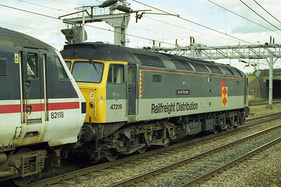 Also in action for Virgin that day was 47219 'Arnold Kunzler' seen later that afternoon at Nuneaton having dragged 1A65 1619 Wolverhampton - Euston from Birmingham (18/07/1998)