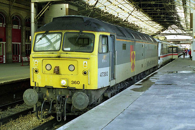 Another view of 47360 at Preston with 1A51. In addition to its trip to Bristol and back, '360 had also worked 1J39 1835 Euston - Shrewsbury forward from Wolverhampton the previous night (01/11/1998)