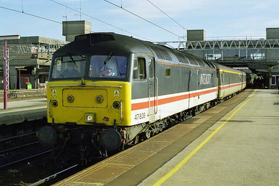 47839 calls at Satfford with the SuO 1M84 0950 Poole - Manchester. 47788 had earlier worked the train as far as Birmingham (18/10/1998)