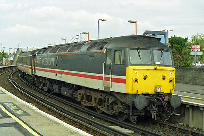 The following afternoon 47812 awaits departure from Poole with the SuO 1M88 1305 to Manchester Piccadilly (04/10/1998)