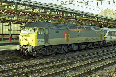 A last look at 47360 at Crewe before it was detached to enable 1A51 to continue forward with more conventional traction (01/11/1998)