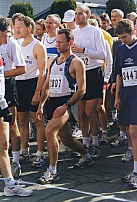 1999 Comox Half Marathon - Keith Wakelin just stretches