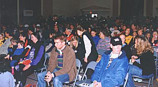 1999 Harriers 8K - The crowded hall