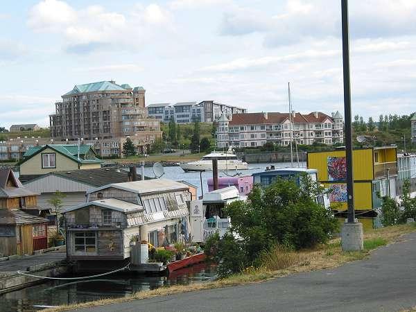 Royal Victoria Marathon Landmarks - 1999 Course - Houseboats at Fisherman's Wharf