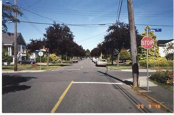 Royal Victoria Marathon Landmarks - 1999 Course - 14 km - Robertson at Lillian