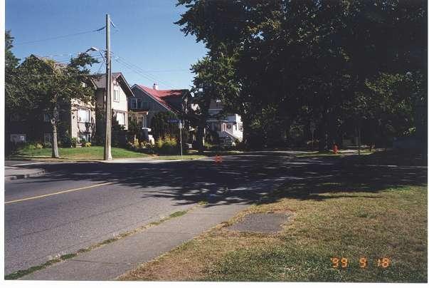 Royal Victoria Marathon Landmarks - 1999 Course - 13 km - Hollywood Crescent