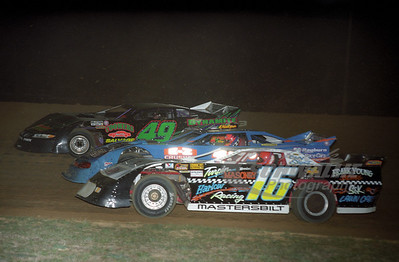 16 Bobby Carrier, 17, and 49 Frankie Coomer