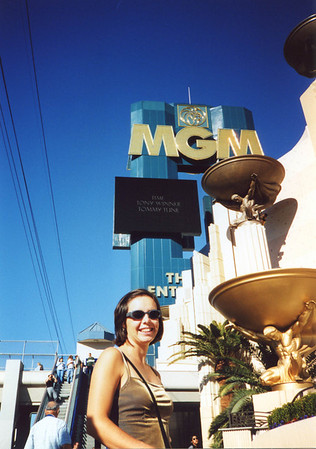 Raquel looking the part in Las Vegas.