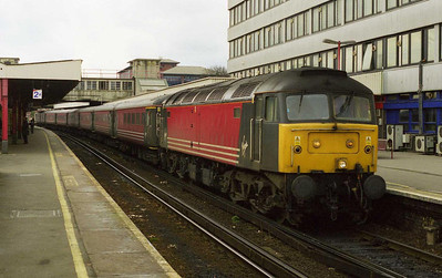 47844 awaits departure from Southampton with 1M86 1340 to Liverpool Lime Street. The service was starting here rather than at Bournemouth due to an engineering-related diversion via Havant and Guildford (07/03/1999)