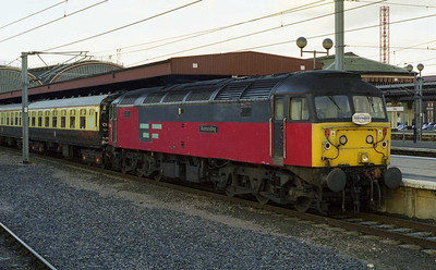 47764 'Resounding' heads 1Z91 1845 return charter to Coventry at York, after the anticipated RfD '47' had failed to materialise (10/04/1999)