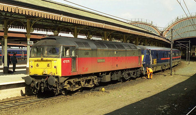 Easter Saturday and Sunday saw diesel haulage of GNER services on an unprecedented scale due to engineering work on the ECML. 47575 'City of Hereford' is detached at York after working 1E05 0800 Glasgow-Kings Cross from Newcastle via the Durham Coast (03/04/1999)