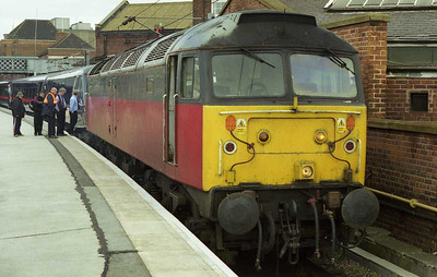 47635 is detached from 1E01 SuO 0900 Edinburgh-Kings Cross at Doncaster having 'dragged' the train from Newcastle via Stillington due to an engineering overrun (11/04/1999)
