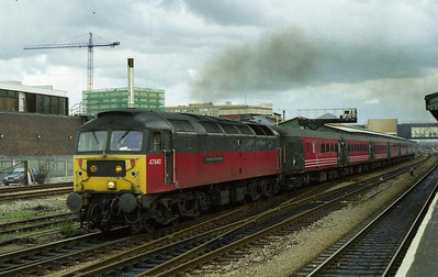 Deputising for the more usual Virgin '47/8', EWS 47640 'University of Strathclyde' departs Reading with 1O38 0738 Glasgow-Bournemouth (13/03/1999)