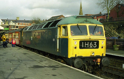 47402 is pictured again on arrival at Bury Bolton Street with the 1400 from Rawtenstall (20/02/1999)