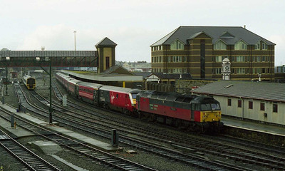 Another view of 47746 at Holyhead prior to working 1A75 back to Crewe. This train was booked for a RES '47' for several Sundays due to engineering work (28/02/1999)