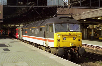 47831 'Bolton Wanderer' is pictured on arrival at Newcastle with the SuO 1E25 0855 from Derby (28/03/1999)