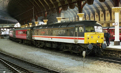 47831 'Bolton Wanderer' waits at York with 1E33 1207 Bristol-Newcastle (10/04/1999)