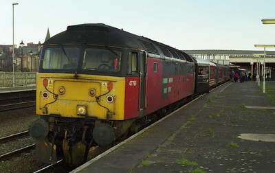 47760 'Restless' calls at Rhyl with 1D87 SuO 0930 Euston-Holyhead (14/03/1999)