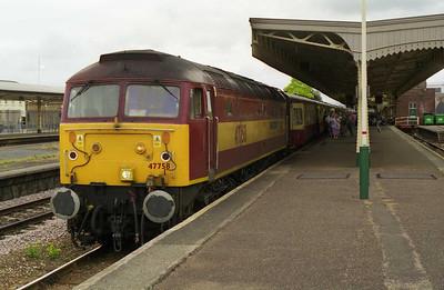 47758 calls at Taunton with 1Z91 1628 Exeter-Peterborough return charter (03/07/1999)