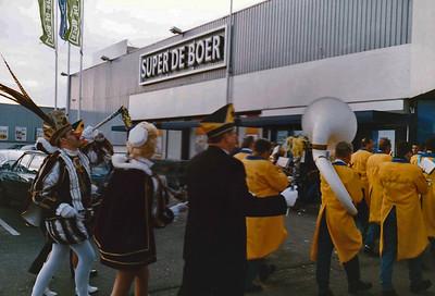 Winkelen bij Super de Boer Thijssen in de Kievitstraat