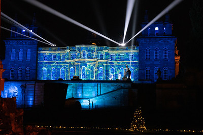 Christmas at Blenheim Palace 2019, Illuminated Light Trail - 31/12/2019@19:40