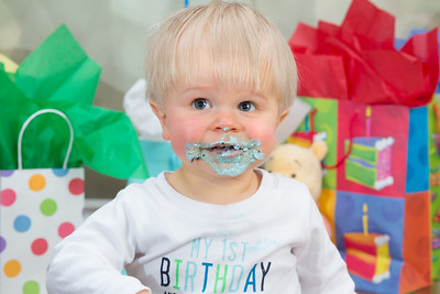 Traven's 1st Birthday