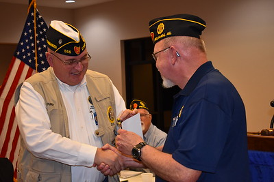 Past Commander Barry Blount receives 2018 Denise Rhon Recruiting Pin