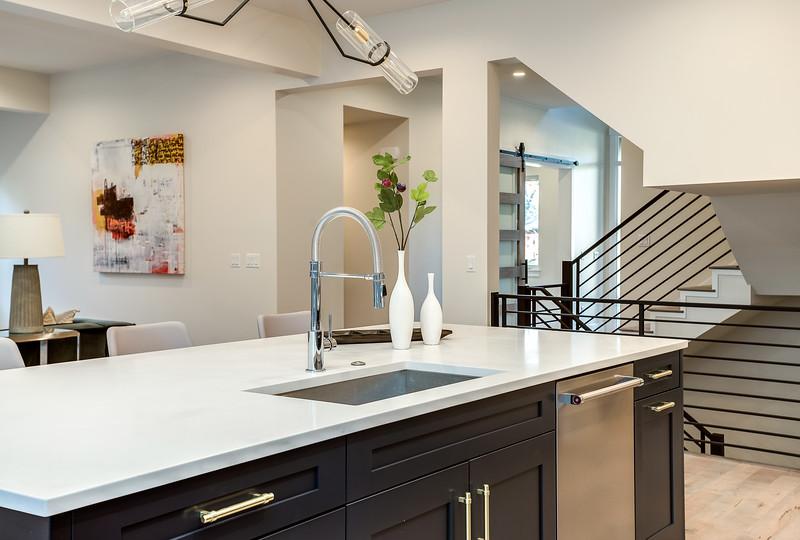 Family-Kitchen-8
