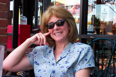 Maureen at Lunch 7-29-03