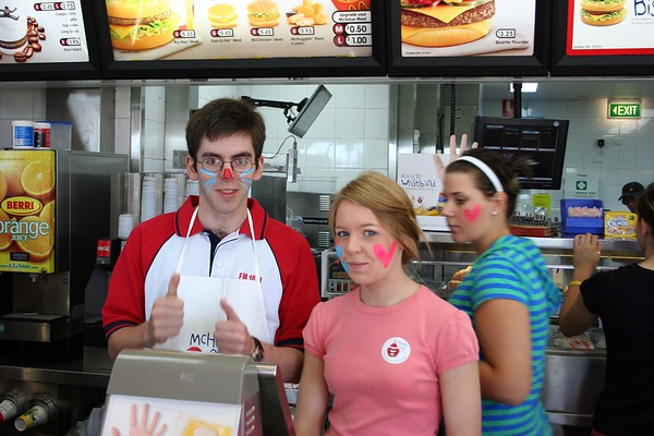 18/11/06 McHappy Day: David Font's photos