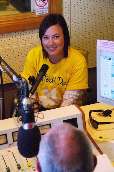 28/8/09 Amy Pokoney from the NSW Cancer Council came in to tell us about DAFFODIL day.