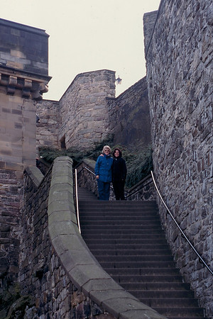 Kathie and Carol at Edinburgh Castle