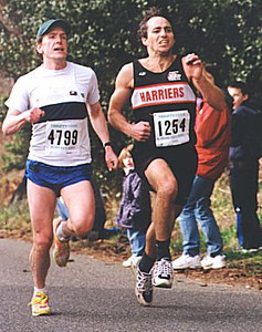 2000 Hatley Castle 8K - Drew Mackinnon (right) puts the hammer down