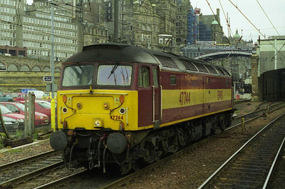 47744 runs round its train at Edinburgh after working 1Z43 0620 'Green Express' charter from Leeds (29/04/2000)