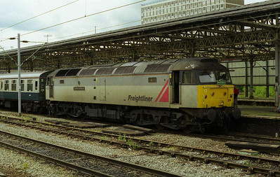 47206 'The Morris Dancer' is pictured on arrival at Crewe with 1Z90 from Southampton. 47234 powered the return leg later that afternoon (20/05/2000)