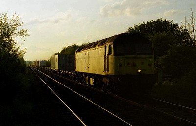 Catching the last rays of sunlight, 47292 approaches Methley with 4L63 2011 Leeds-Tilbury Freightliner (??/0?/2000)