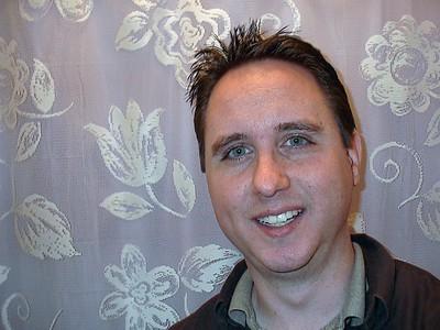 2004 (128)