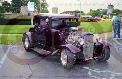 2001 Woodward Cruise - 1930 Ford Coupe - Fuller