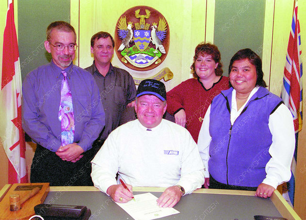 AIMHI Proclamation/Friday Brent Braaten-Sept 20/2001  Aimhi Community Living Month proclamation for October, from left Rory Summers President AIMHI, Bill Fildes acting Executive Director Operations, Mayor Colin Kinsley, Leslie Lee Employment specialist and Roxane Wilson self advocacy AIMHI Board.