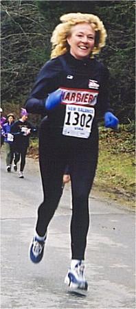 2001 Alberni 10K - Susan Norrington with air and big hair