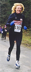2001 Alberni 10K - Susan Norrington with air and big hair