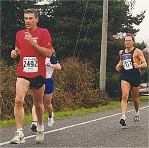 2001 Pioneer 8K - Dan Harlow leads Mike Suminski