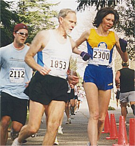 2001 UVic 5K - Gwyn Woodson and Torben Lind
