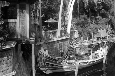 Market Boat
